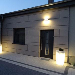 iluminacja elewacji budynku ozmroku