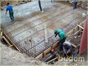 budowa fundamentów budynku