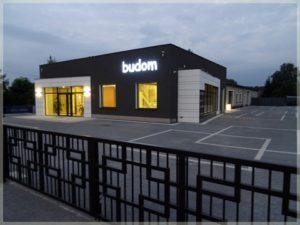 budom - siedziba firmy ozmroku