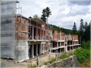 budowa kompleksu nowoczesnych budynków