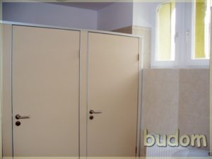 łazienka zkabinami