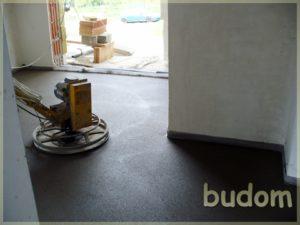 cyklinowanie podłogi wnowym budynku