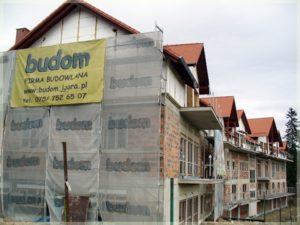 kompleks budynków stawianych przez firmę budom fima budowlaną