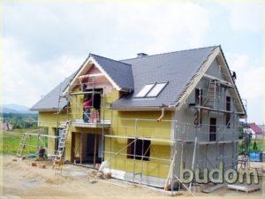 Montaż izolacji nabudynku mieszkalnym wStaniszewie