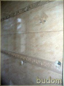 ściana płytkami