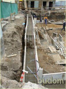 wylewanie fundamentów podbudynek
