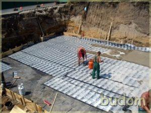 prace nabudowie przy tworzeniu fundamentów
