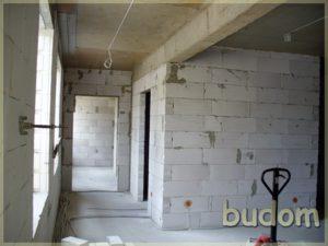 korytarz wstanie surowym