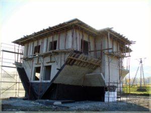 prace konstrukcyjne przy domu nagłowie