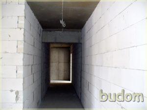 korytarz wbudynku wtrakcie prac