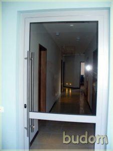 kwi wmiętowym korytarzu