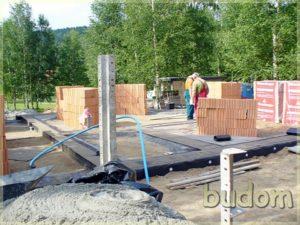 prace budowlane nafundamentach