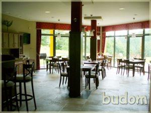 wykończona sala restauracyjna