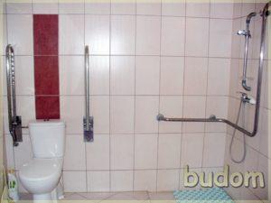 łazienka dostosowana dopotrzeb osób niepełnosprawnych, wykończona gresem