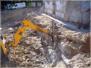 skuwanie podłoża wcelu przygotowania miejsca naplacu budowy